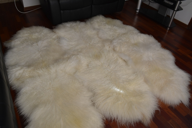 Genuine white carling icelandic sexto 6 sheepskin carpet rug