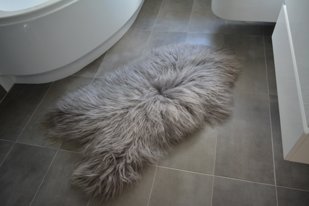Grey Icelandic Sheepskin Rug Amazing Soft Wool natural, carpet genuine